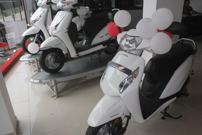Honda Activa vs Active-i